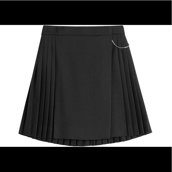 4cbd1e074d The Kooples Pleated Skirt. M_5b4e9881cdc7f7c12a05066d